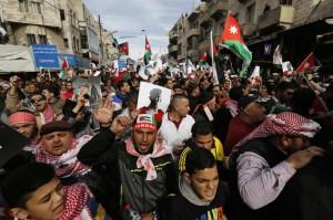 Giordania: la regina Rania a manifestazione contro Isis