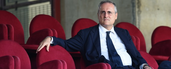 Lazio, Lotito riapre la Curva Sud agli ultras anche per la partita contro l'Udinese. Nonostante il caso Anna Frank