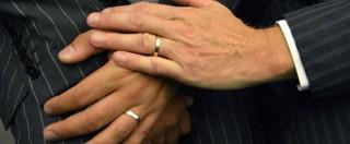 """Unioni civili, Parlamento Ue all'Italia: """"Dica sì ai matrimoni gay"""". Ma a Roma ostruzionismo di Giovanardi blocca ddl"""