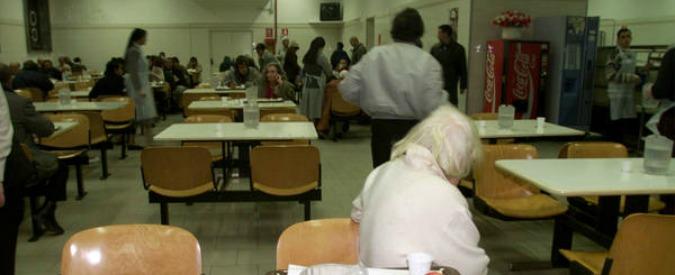 Sicilia, accoglienza a pagamento per i migranti: vitto e alloggio per due euro