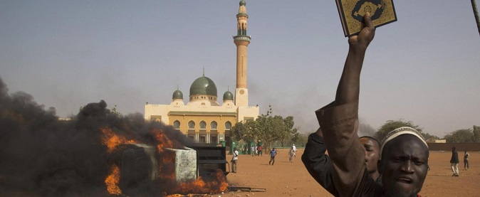 Cronache dal Niger – I venerdì tra i bar bruciati di Niamey