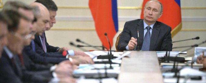 """Putin: """"Taglio del gas di Kiev nell'est dell'Ucraina puzza di genocidio"""""""