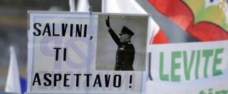 """Lega Nord, vaffanculo, cori per il Duce e """"zecche"""": Salvini e il Carroccio """"romano"""""""