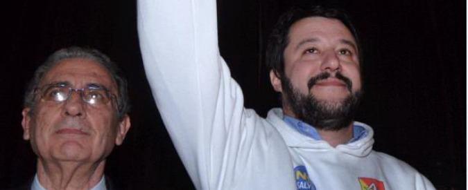 """Matteo Salvini a Palermo: """"Chiedo scusa al Sud"""". Lanci di uova dai contestatori"""