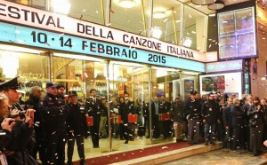 Sanremo 2015, i 20 Big sfilano sul red carpet del teatro Ariston