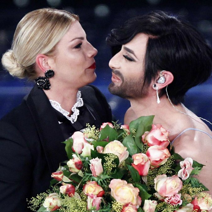 Sanremo 2015, Conchita Wurst e Charlize Theron salvano dalla noia dell'Ariston
