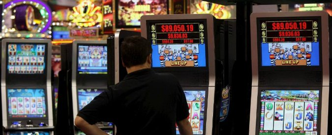 Slot machine, i movimenti del 'no' vincono: la lobby dell'azzardo accusa il colpo
