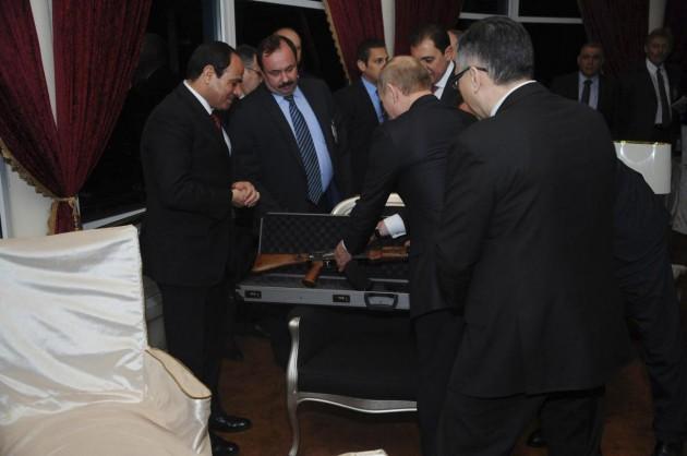 Putin al Cairo incontra Al-Sisi