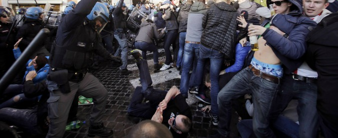 Feyenoord-Roma, alta tensione in Olanda dopo le devastazioni degli ultras in Italia