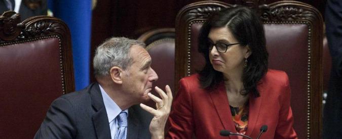 Produzione legislativa: potere esecutivo strapotente, Parlamento umiliato