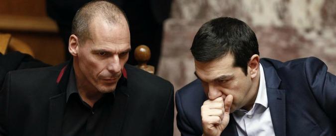 """Grecia, Varoufakis contro Tsipras: """"Avevo un piano, ma lui ha ceduto ai creditori"""""""