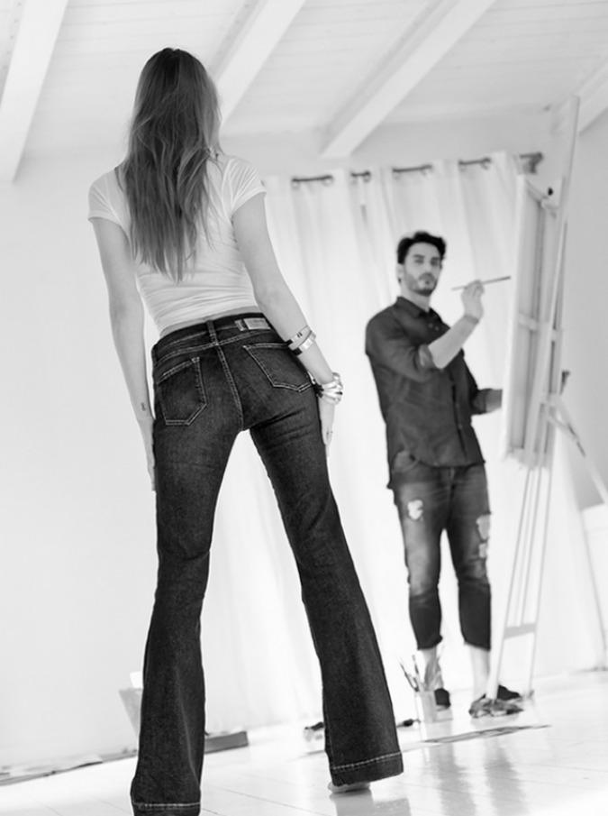 """Il denim protagonista in passerella: """"I jeans usati raccontano la storia di chi li porta"""""""