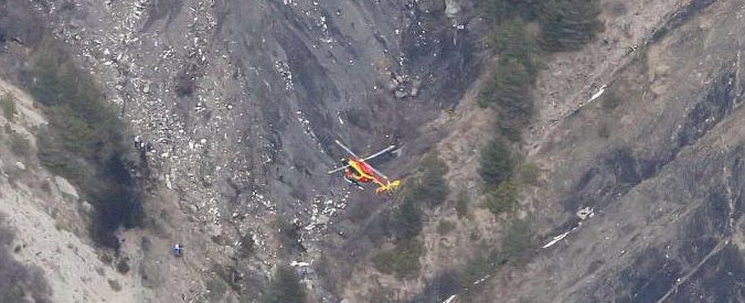 Germanwings, incidente aereo in Francia: 150 morti. Lunedì fermo per guasto