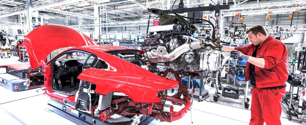 Germania, il bello di lavorare nell'auto:  6.540 euro di bonus in Audi, 5.900 in VW