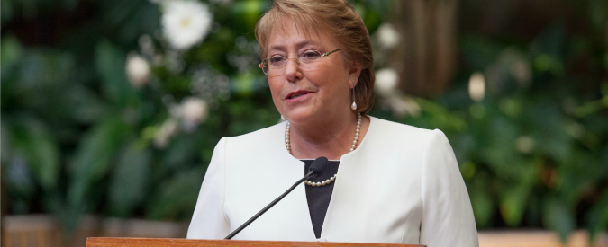 """Cile, Bachelet nei guai: prestito facile di 10 milioni al figlio. """"Conflitto d'interessi"""""""