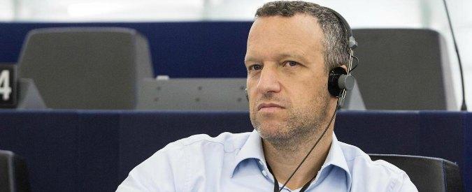 Lega Nord, rinviata decisione sul ribelle Tosi. Ancora poche ore per accordo