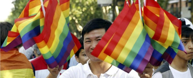 Cina, fino al 1997 essere gay era reato. Ma oggi il giro d'affari vale 300 miliardi