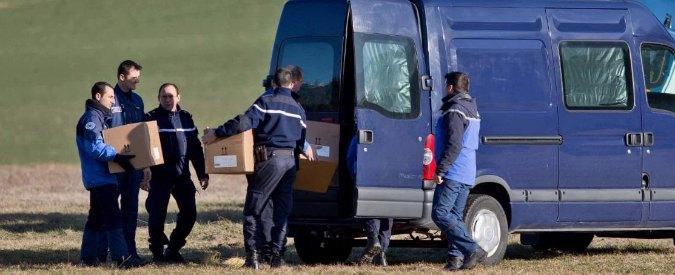 """Germanwings, riprese all'alba operazioni di recupero dei corpi: """"Lassù è l'inferno"""""""