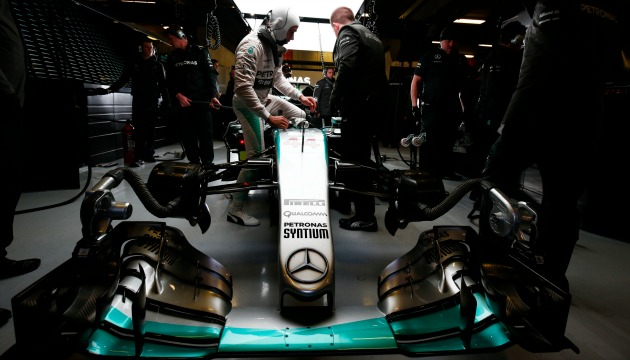 Hamilton Mercedes test Barcellona 2015
