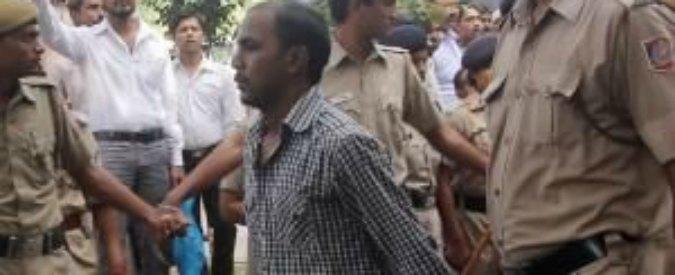 """India. Violentata e uccisa su bus nel 2012, stupratore nel documentario: """"Colpa sua"""""""