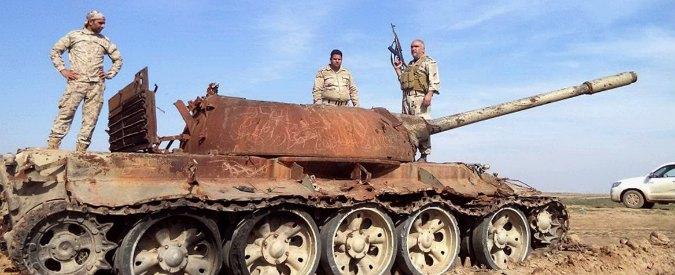 Isis, esercito iracheno lancia offensiva a Tikrit. Due video con nuove esecuzioni
