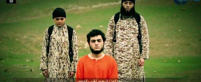 """Isis, giornalista di Rfi: """"Bimbo boia che uccide la presunta spia è francese"""""""