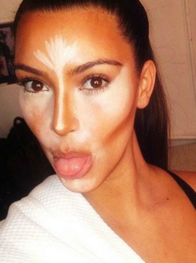 Cos'è il contouring, la tecnica di make-up di Kim Kardashian – Tutorial