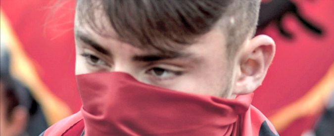 """Kosovo, comunità islamica: """"Tra i 20 e i 30 mila euro ai giovani per unirsi a Isis"""""""