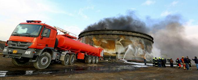"""Libia, attaccato campo petrolifero Al Ghani: """"Uccisi 8 uomini di guardia"""""""