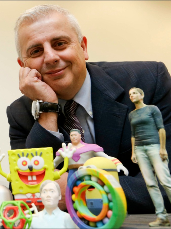 Di giorno dirigente di una multinazionale, di notte dj: la storia di Michele 'Mike' Marchesan