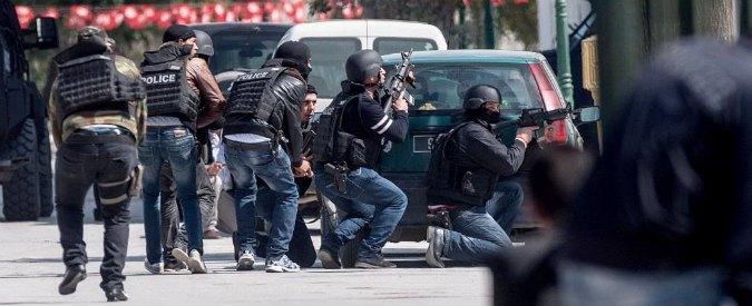 """Tunisia, analista: """"Attacco in stile Charlie Hebdo, un terrorista tornava dall'Iraq"""""""