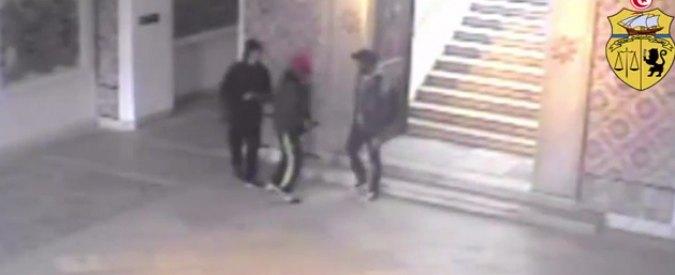Tunisia, ministero Interno pubblica video dei terroristi che entrano nel museo