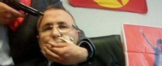 """Turchia, giudice in ostaggio in tribunale a Istanbul: """"Giustizia per Gezi Park"""" – Foto"""