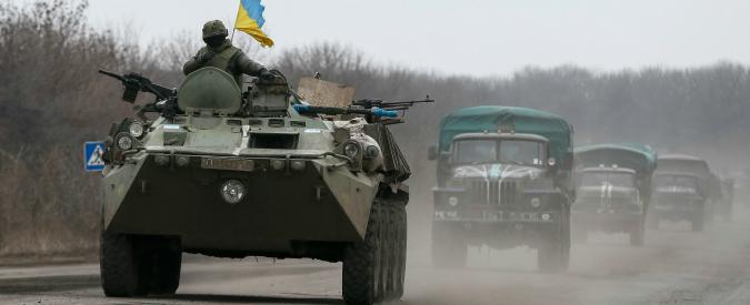 """Ucraina, Nato: """"Russia resta nell'est"""". Usa inviano attrezzature """"non letali"""" e droni"""