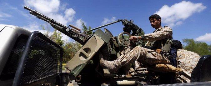 """Yemen, ribelli sciiti avanzano verso Sud. """"Arabia Saudita schiera truppe al confine"""""""