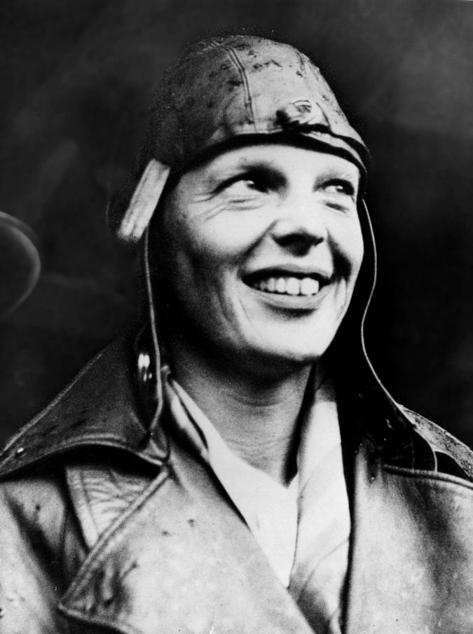 """Amelia Earhart, le eroiche imprese dell'aviatrice dei record: """"Di una sola cosa aveva paura, di invecchiare"""""""