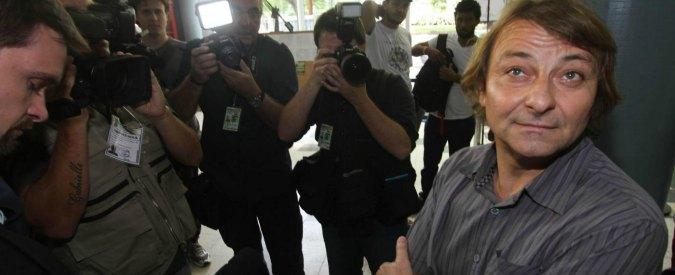 """Brasile, l'ex terrorista Cesare Battisti arrestato: """"Cercava di fuggire in Bolivia"""""""