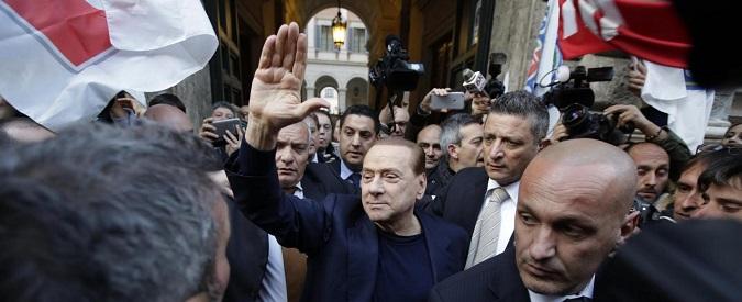 Berlusconi, dagli amici lo guardi Iddio