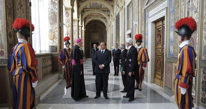 Berlusconi è stato assolto ma per la Chiesa di Francesco è la morale che lo condanna