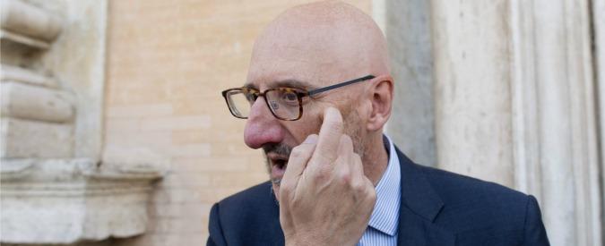 Poste Italiane, bad company per le lettere e nuova foresteria per l'ad Caio