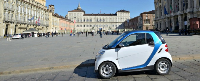 Car sharing, a Torino arrivano Smart e 500. Ecco le differenze fra Car2go e Enjoy