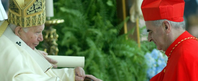 Papa Francesco toglie la porpora a cardinale scozzese per scandali sessuali