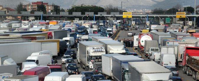"""Autostrade, Bankitalia: """"In 20 anni ricavi raddoppiati, ma investimenti al palo"""""""