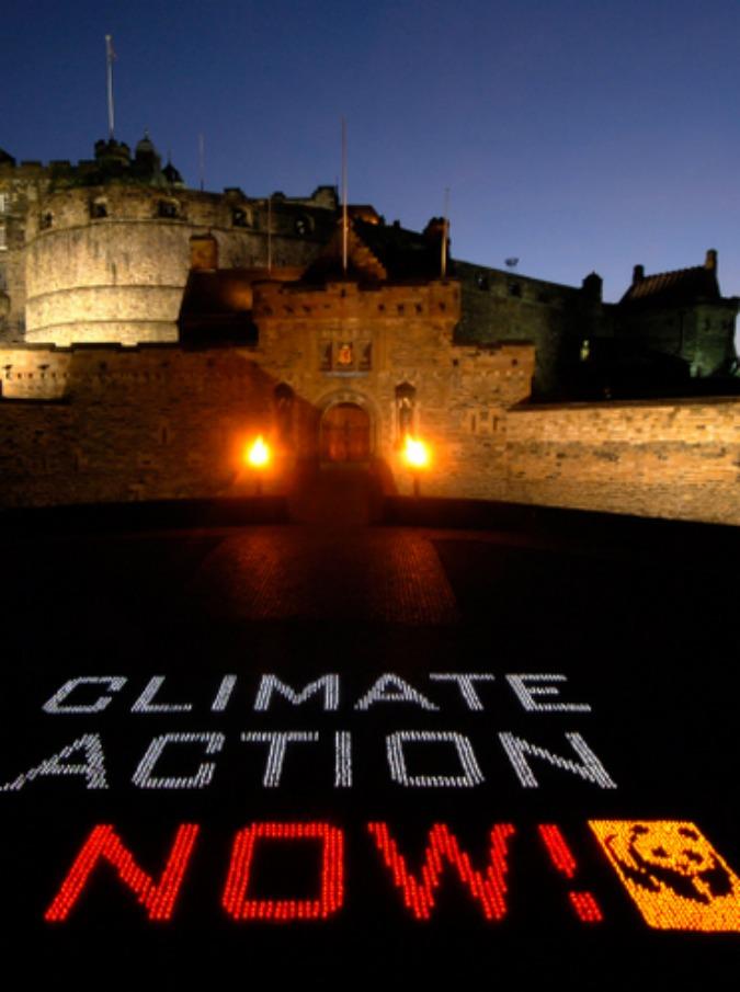 Earth Hour, il 28 marzo luci spente per un'ora per fermare il cambiamento climatico