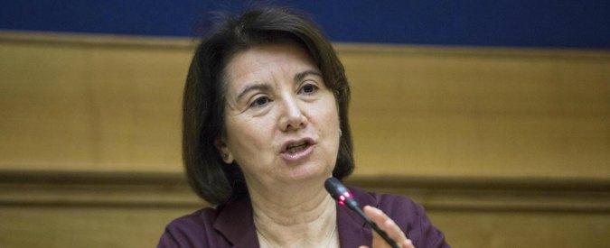 """Fecondazione eterologa, Roccella: """"Esposto per rimborso alla donatrice"""""""