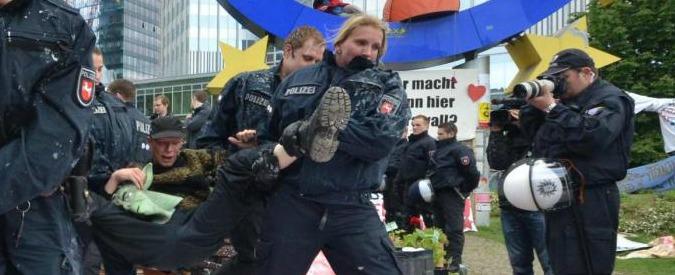 Bce, nuova sede a Francoforte. Scontri all'inaugurazione: 350 arresti