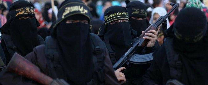 """Isis, """"parità di genere per le donne jihadiste: combattono e gestiscono fondi"""""""