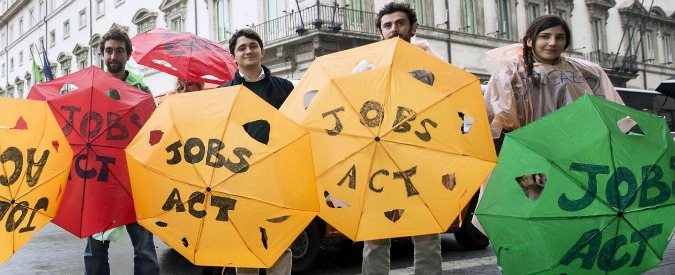 """Jobs Act, anche il centro studi di Biagi certifica flop: """"Sempre più lavoratori a termine. Boom occupati? Solo over 50"""""""