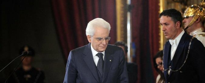 Sergio Mattarella taglia l'uso delle auto blu del Quirinale