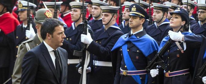 """Governo e leva militare: il """"comandante"""" Matteo Renzi esentato dal servizio"""